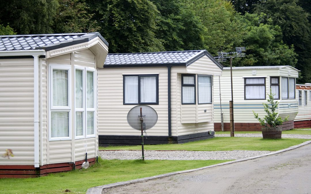 Looking to Sell a Mobile Home with Land? Here's How to Get a Fair Cash Offer Quickly.